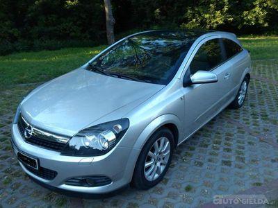 używany Opel Astra GTC ASTRA H GTC ALU 16, PANORAMA, BEZ DPF ASTRA HALU 16, PANORAMA, BEZ DPF
