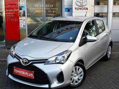 używany Toyota Yaris 1dm3 69KM 2015r. 109 635km 1.0 Active Salon Polska/Serwis ASO/Pełna faktura VAT!
