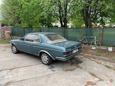 używany Mercedes 230 W123CE