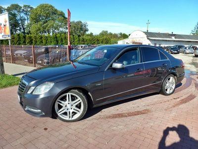 używany Mercedes E200 1.8dm 163KM 2011r. 246 000km