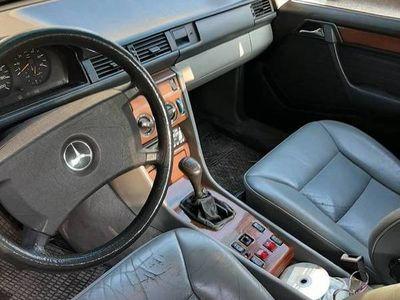 używany Mercedes E250 d zamiana na ciągnik do 60 km