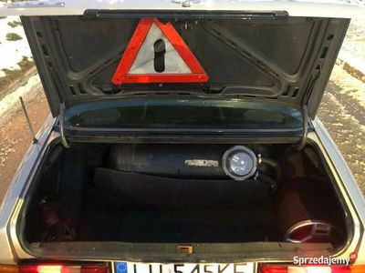 używany Mercedes 190 w201baby benz