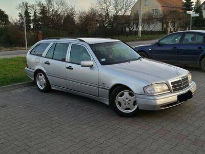 używany Mercedes C180