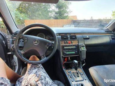 używany Mercedes E270 cdi 2000r w210