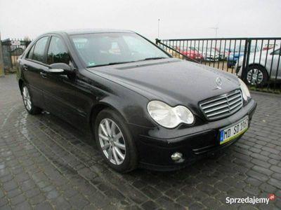 używany Mercedes C180 1.8dm 143KM 2004r. 263 785km
