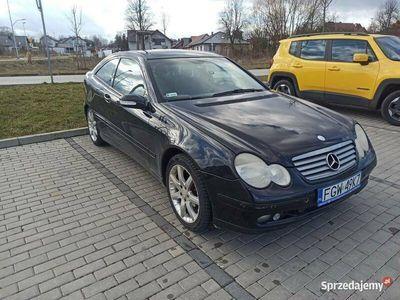 używany Mercedes C220 W203