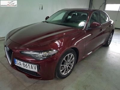 gebraucht Alfa Romeo Giulia Inny 2.0dm3 200KM 2017r. 20 751km2.0 Turbo aut