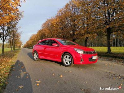 używany Opel Astra GTC Astra HOPC 1,8 B+G NAVI KLIMA BOGATA WERSJA