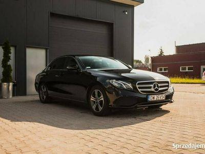 używany Mercedes E220 2dm 194KM 2018r. 86 500km