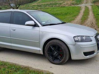 używany Audi A3 Sportback 8P 5drzwi 1.9Tdi 105km DSG
