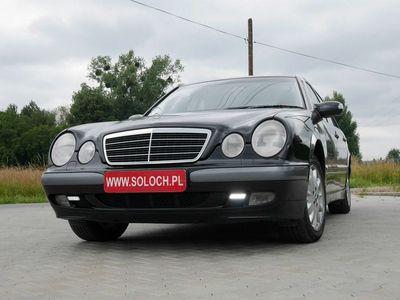 używany Mercedes E240 2.6dm 170KM 2000r. 216 000km