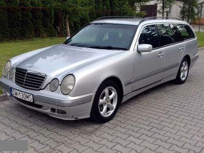 używany Mercedes E270 2.7dm 170KM 2002r. 435 000km