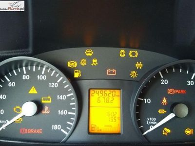 używany Mercedes Sprinter 2.2 2011r. automatyczna klima.