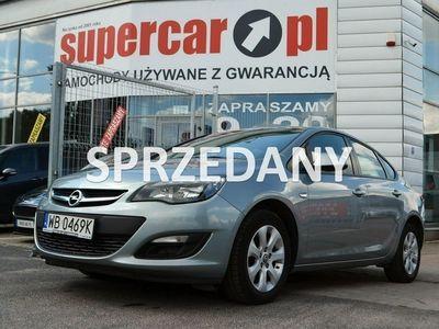 używany Opel Astra 1.7dm 110KM 2014r. 156 976km