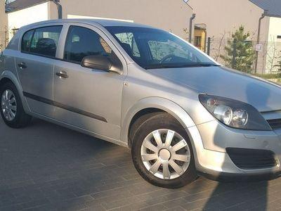 używany Opel Astra 1.4dm 90KM 2004r. 198 000km