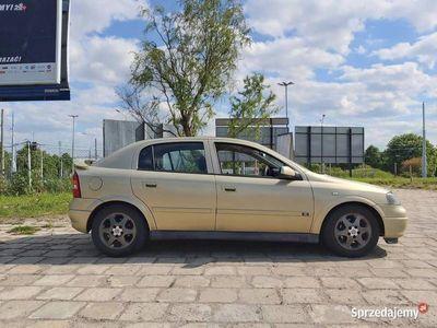 używany Opel Astra 2.0 16v