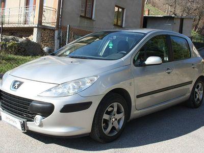używany Peugeot 307 1.6dm 109KM 2007r. 215 000km