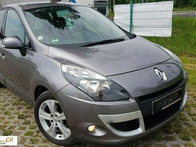 używany Renault Scénic 1.6dm 110KM 2009r. 151 000km