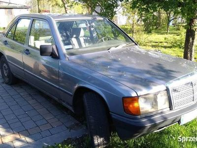 używany Mercedes 190 (w201)