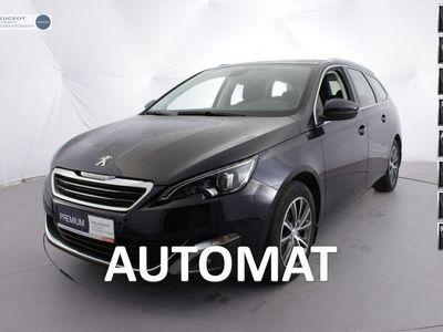 używany Peugeot 108 308 SW 1.2dm 130KM 2015r.846km