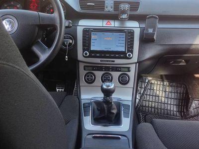 używany VW Passat B6 2.0 TDI 140 km skóry xenon TREADELINE