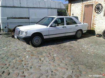 używany Mercedes 190 W201 1982 wąska listwa