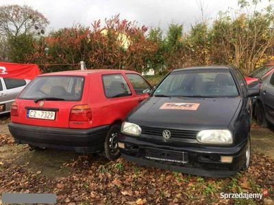 używany VW Golf I Duży wybór Y GOLF części