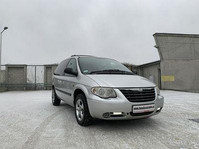 używany Chrysler 300 Voyager 3.3dm 174KM 2005r.000km