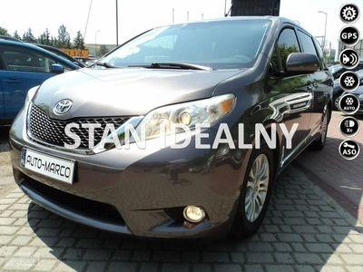 używany Toyota Sienna 3.5dm 267KM 2012r. 180 000km