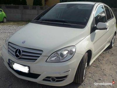używany Mercedes B180 CDI 2010 r.