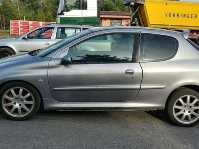 używany Peugeot 206 2dm 136KM 2000r. 197 895km