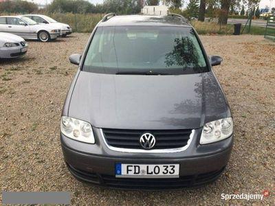 używany VW Touran 2dm 140KM 2005r. 207 315km