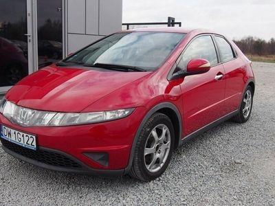 używany Honda Civic 1.4dm3 83KM 2008r. 111 000km 1.4 83KM 2008r. 111tys. km. Klimatyzacja, alufelgi, zadbana