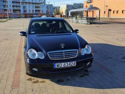 używany Mercedes C180 Kompressor z polskiego salonu