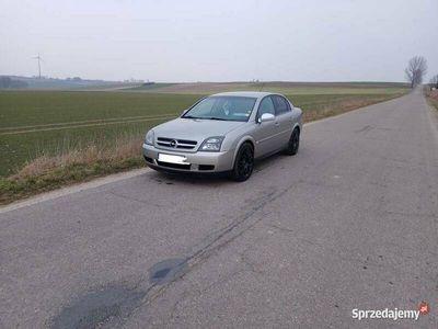 używany Opel Vectra c na ładnych czarnych 18 calowych alufelgach