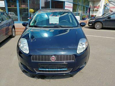 używany Fiat Grande Punto 1.4dm 77KM 2009r. 92 779km