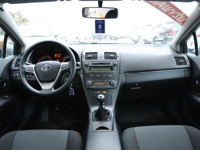 używany Toyota Avensis 1.8 Luna Benzyna, 2009 r.