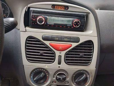 używany Fiat Albea 2002r
