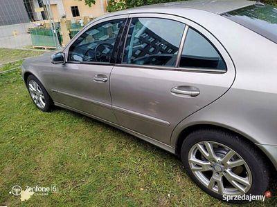 używany Mercedes E500 W211 LPG