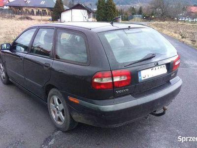 używany Volvo V40 2001 rok