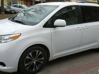 używany Toyota Sienna 2015r ,8 osob.