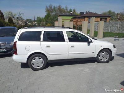 używany Opel Astra isuzu