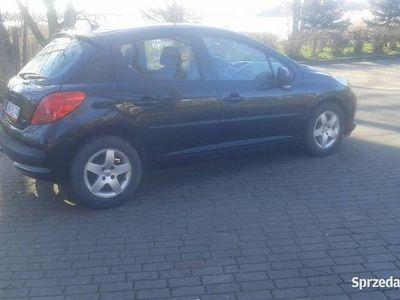 używany Peugeot 207 1,4 8v benzyna 2009 klima