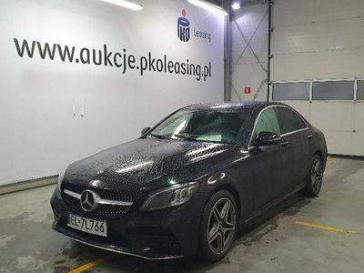 używany Mercedes C200 2.1dm 170KM 2018r. 23 881km