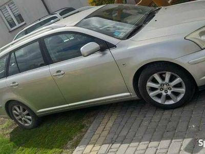 używany Toyota Avensis t25
