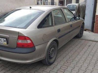 używany Opel Vectra B 1.6 16 V nowy przegląd