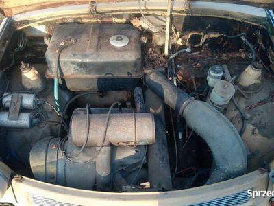 używany Trabant 601 kombi zarejestrowany plus hak i bagażnik dachowy