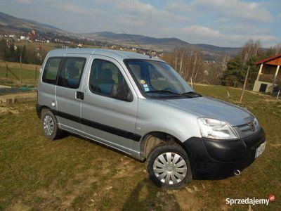 używany Peugeot Partner 1.4 benzyna KLIMA 5 osobowy