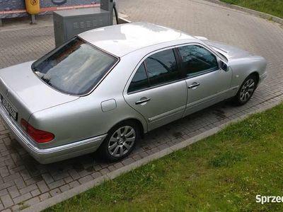 używany Mercedes E200 w210 zadbane wnętrze, avantgarde,