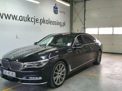 używany BMW 750 3dm 400KM 2017r. 188 090km